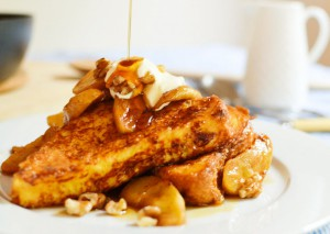 Pain perdu with caramelized apples